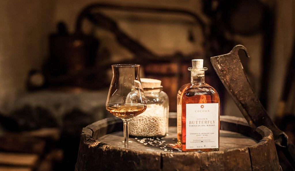 Whiskey mit Glas