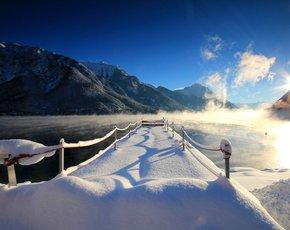 Wintertraum in Weiß & Himmelblau