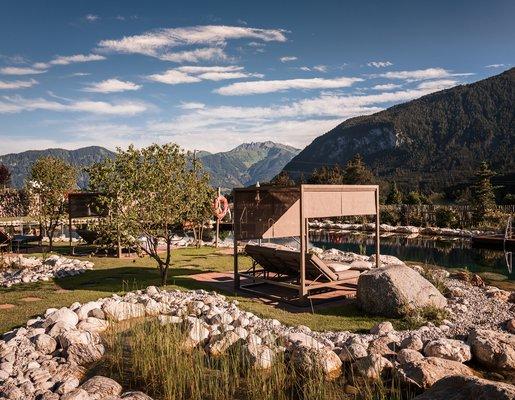 Alpenrose Garten mit Schwimmteich